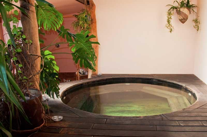 Hot-tub[1]